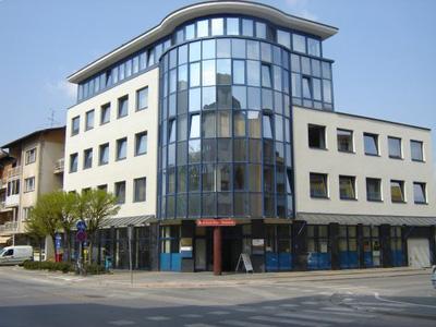 Prostori se nahajajo v prvem nadstropju